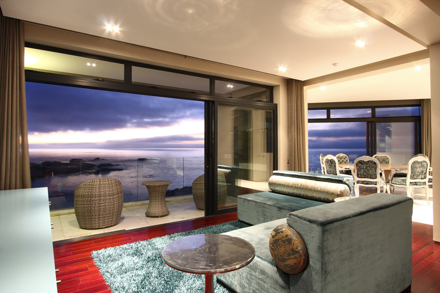 Luxury villa to rent in Camps Bay
